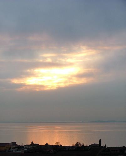 sun shining throu 20 jan 2011