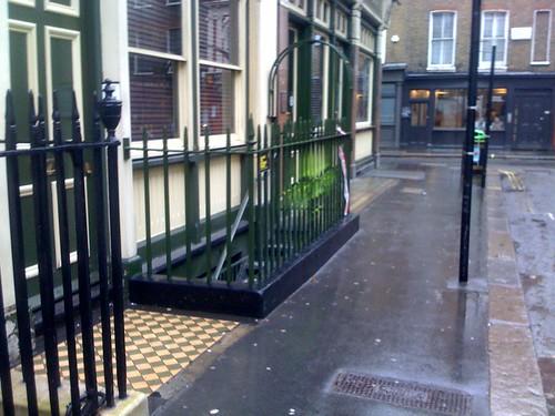 fence stencil