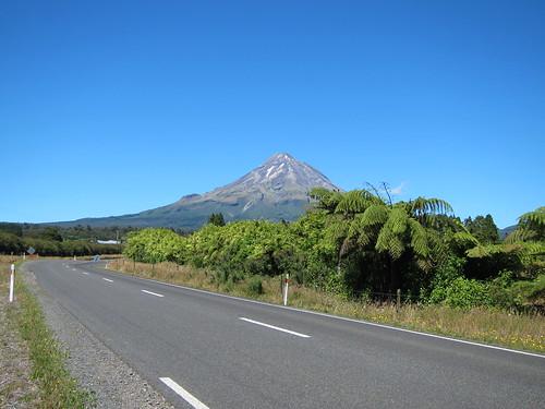 Approaching Mt Taranaki/Egmont