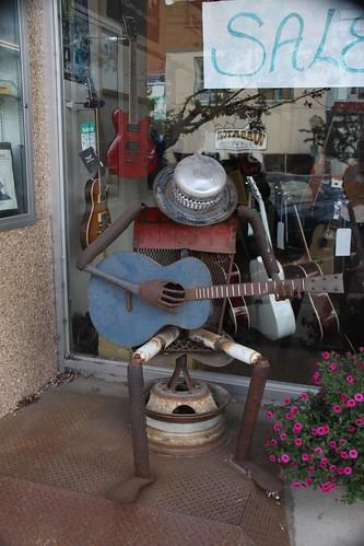 WY - Evanston Metal Guitar Player