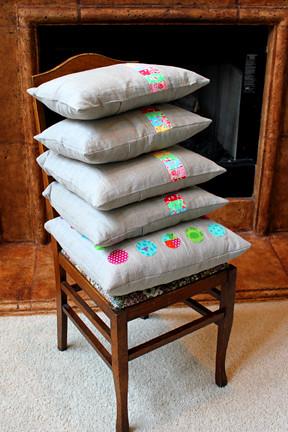pile 'o linen pillows