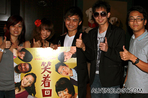 Another picture of the bloggers