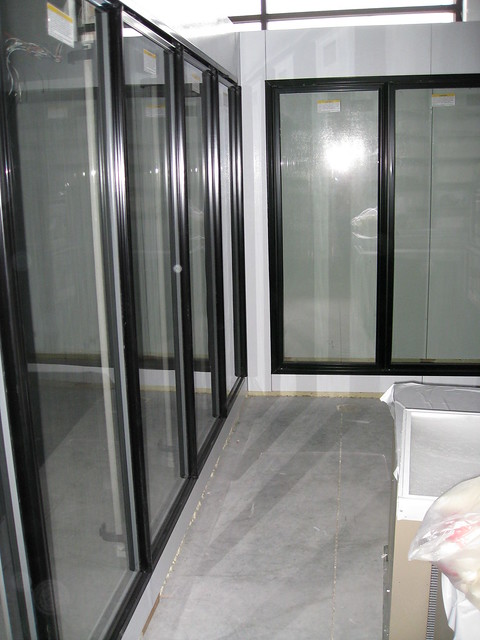 How To Properly Seal Walk In Cooler Doors Src Refrigeration