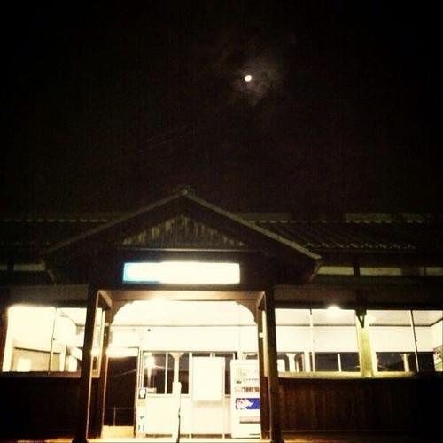 無人駅…いまから帰ります。みなさん、今日はお疲れ様でした。(*^_^*)