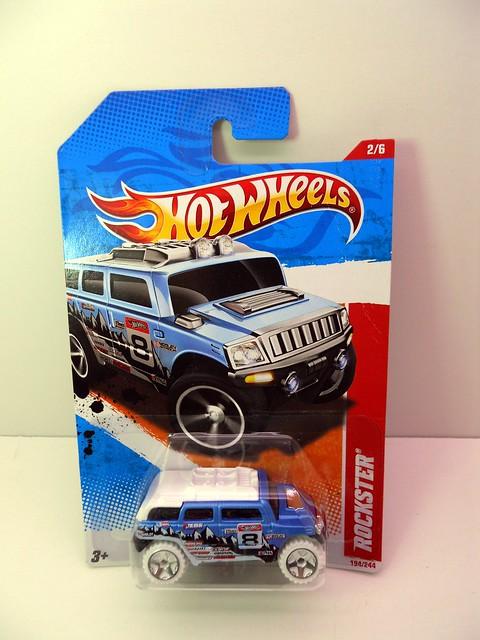 hot wheels snowy rockster  (1)