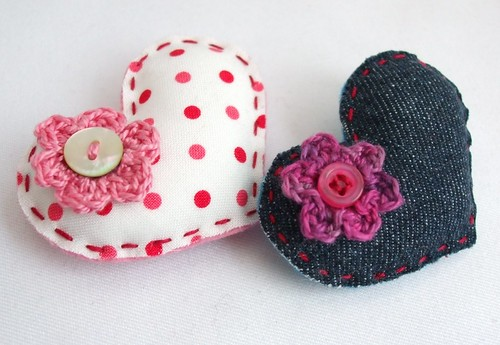 30.01.2011 - couple of brooches made for a Valentines swap