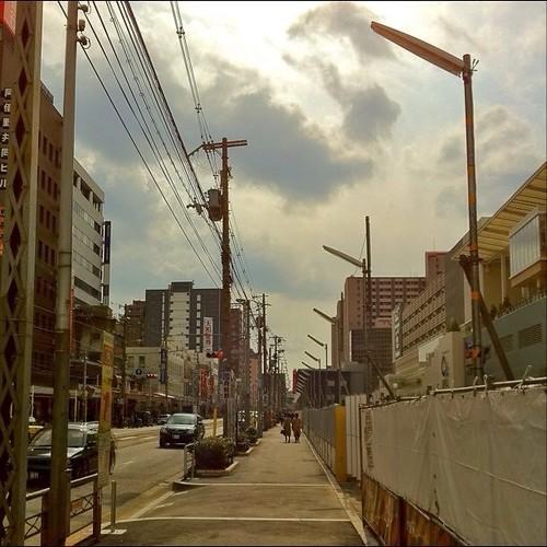 お昼~! 天王寺 Q'sホール横の歩道です。満ち広くなるのかな? #Osaka #Abeno #noon