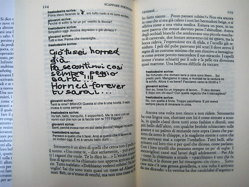 """Stefano Moretti, Scappare fortissimo, Einaudi 2011; [resp. grafica non indicata], alla cop.: """"foto David Goldman / Gallery Stock"""", p. 124 (part.), 1"""