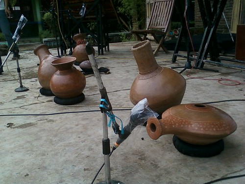 Alat musik dari tanah liat yang dikembangkan oleh JAF (Foto: Yudha PS)