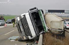 Lkw-Unfall A3 Weilbach 14.03.11