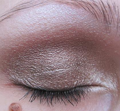 AMU Alverde Baked Eye Shadow 1