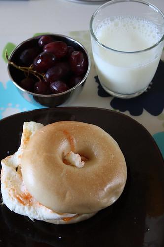bagel with egg whites, grapes, skim milk