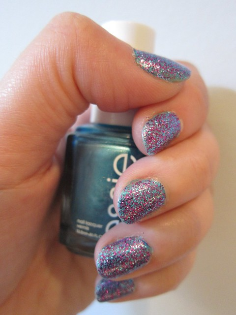 Sinful Colors in Frenzy + Essie in Beach Bum Blu