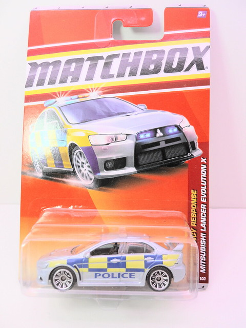 matchbox mitsubishi evolution x polizia (1)