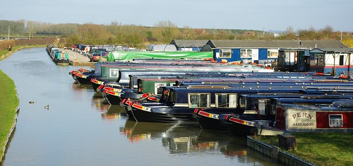20110306-26_Narrow Boats - Napton Marina_Oxford Canal by gary.hadden