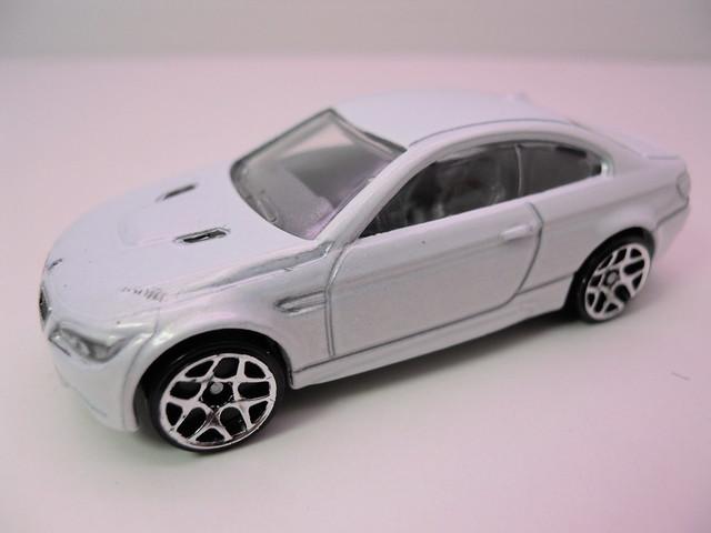 hot wheels '10 bmw m3 white (2)