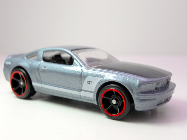 hot wheels cars of the decade  ford mustang gt(2)