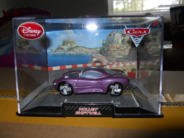 DISNEY STORE CARS 2 HOLLEY SHIFTWELL