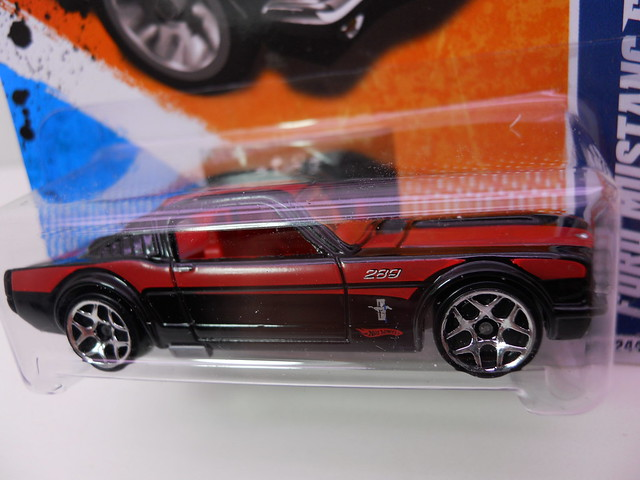 hot wheels ford mustang fastback blkred (2)