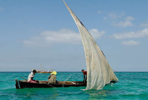 Uncapsizing a dhow by claustral