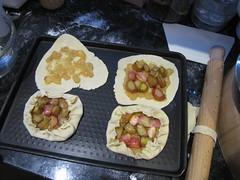 Small rhubarb tarts