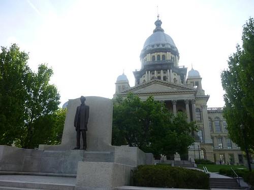 IL - Springfield 132 Abraham Lincoln statue distant