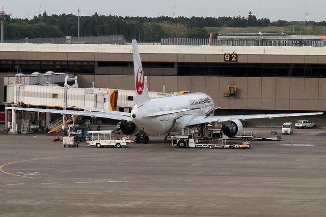 JAL B767-300ER(JA613J)