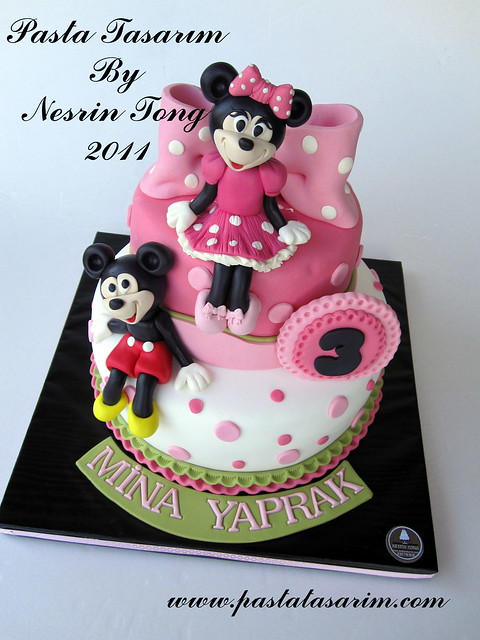MINIE AND MICKEY MOUSE BIRTHDAY CAKE