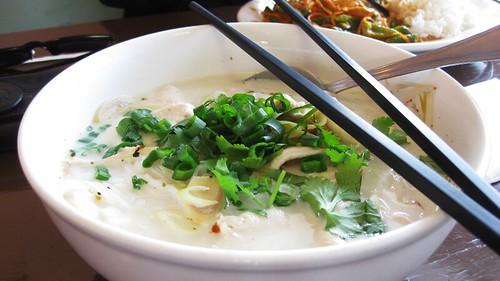 chicken tom kah noodle soup