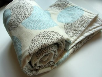 blue and brown zinnias baby quilt