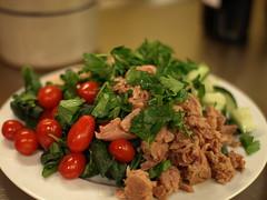 spinach, tuna & white bean salad (1/2)