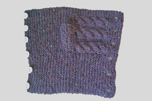 buttoned garter mitt