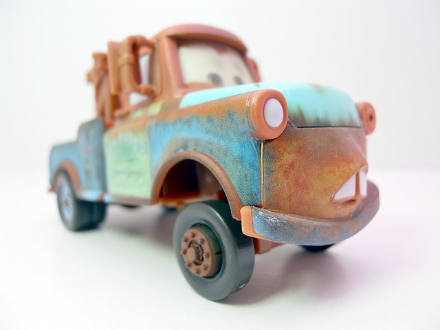 disney cars chase mater with hood  (5)