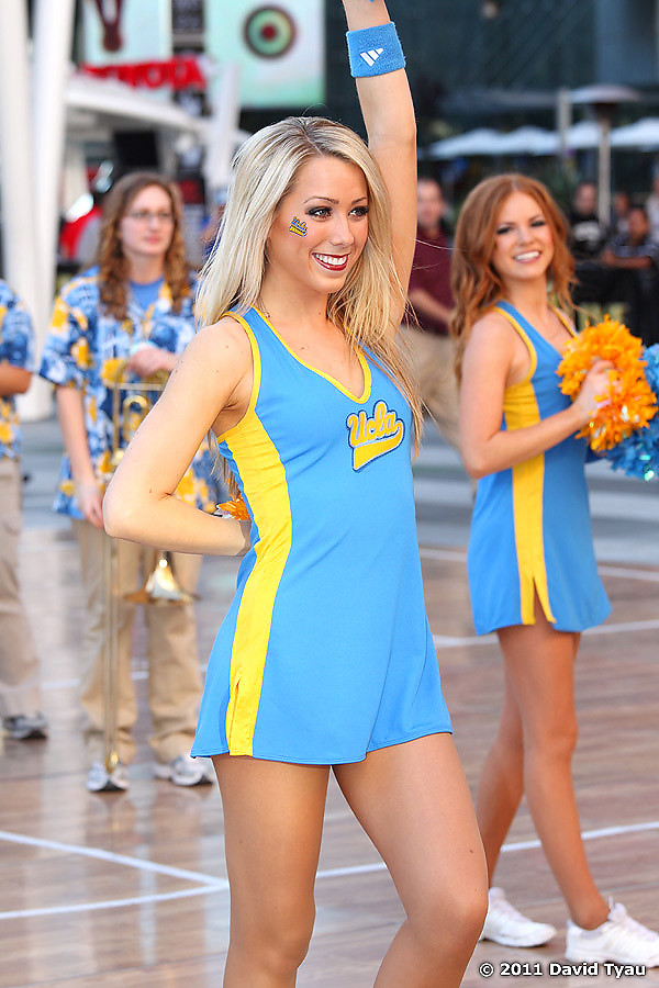 UCLA Dance Team 016