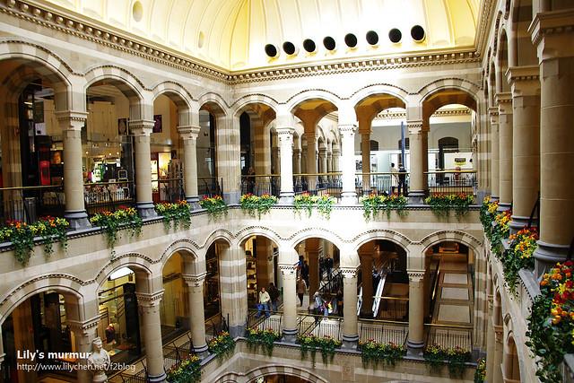 阿姆斯特丹那間復古百貨公司的內觀,真的很有古時候的Fashion味。