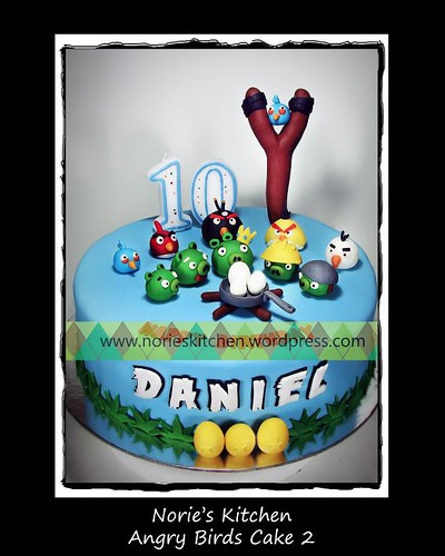 Norie's Kitchen - Angry Birds Cake 2