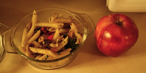 apple and penne with veggies