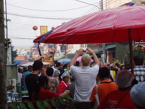 201102020263_CNY_Maenam-high-street