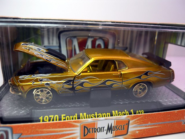 m2 detroit muscle 1970 ford mustang mach 1 428 chase (2)