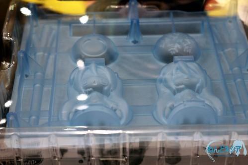 Ice tray with Hatsune Miku and Hachune Miku pattern