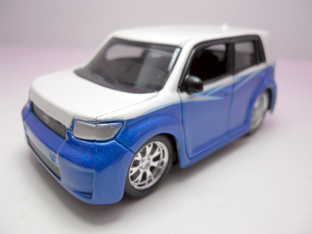 maisto custom shop fifty 5's Scion xB (3)