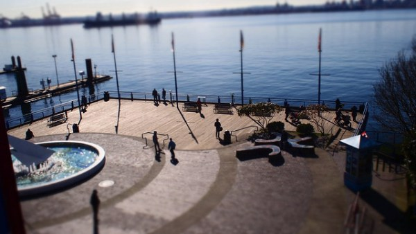 Having some fun with the E-PL2's built in tilt/shift 'diorama' mode