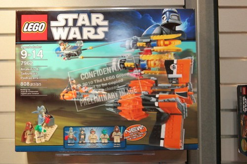 LEGO Toy Fair 2011 - Star Wars - 7962 Anakin's and Sebulba's Podracers - 01