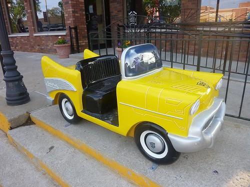 IL, Pontiac 62 - yellow Transformer car side view