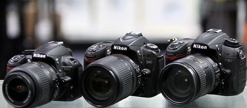 side by side review compare Nikon D5100 vs D7000 vs D3100 vs D90