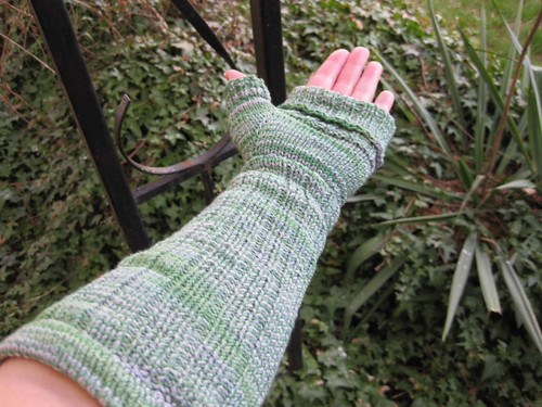 Not socks (fingerless gloves) in Slytherin colourway