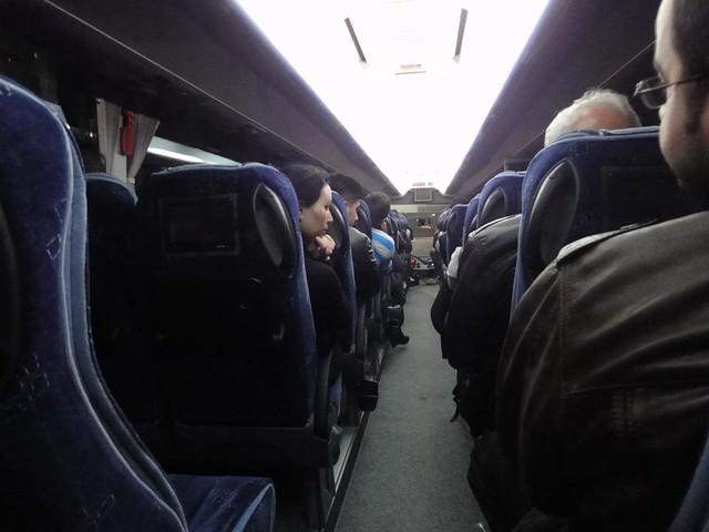Fotografia do autocarro no Aeroporto Internacional Sabiha Gökçen em Istambul