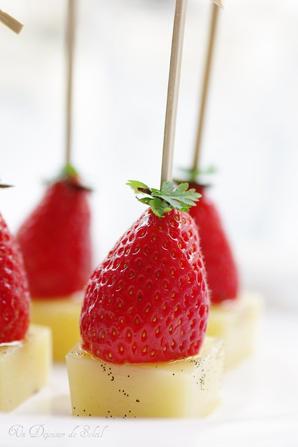 Cheese with vanilla and strawberry