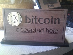 Bitcoin Accepted Here [by freeborn]