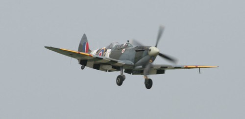Spitfire T9 on final approach...